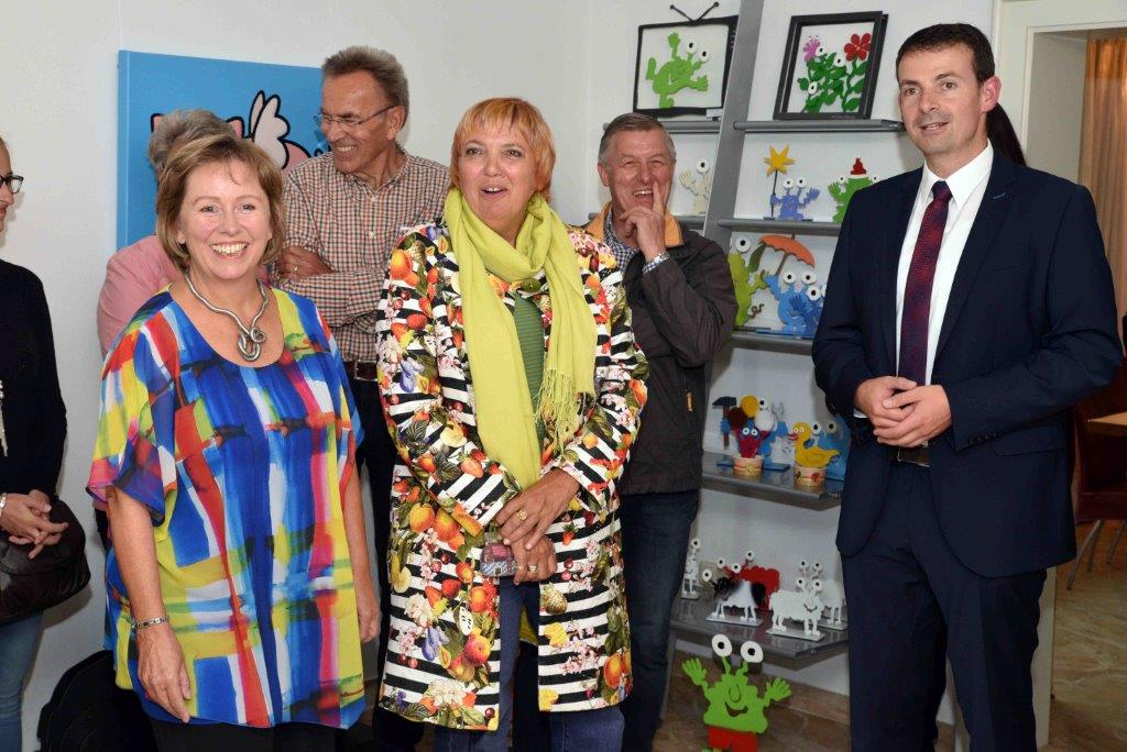 20170902 Claudia Roth Oberdingharting (107) Empfang Gruppe mini